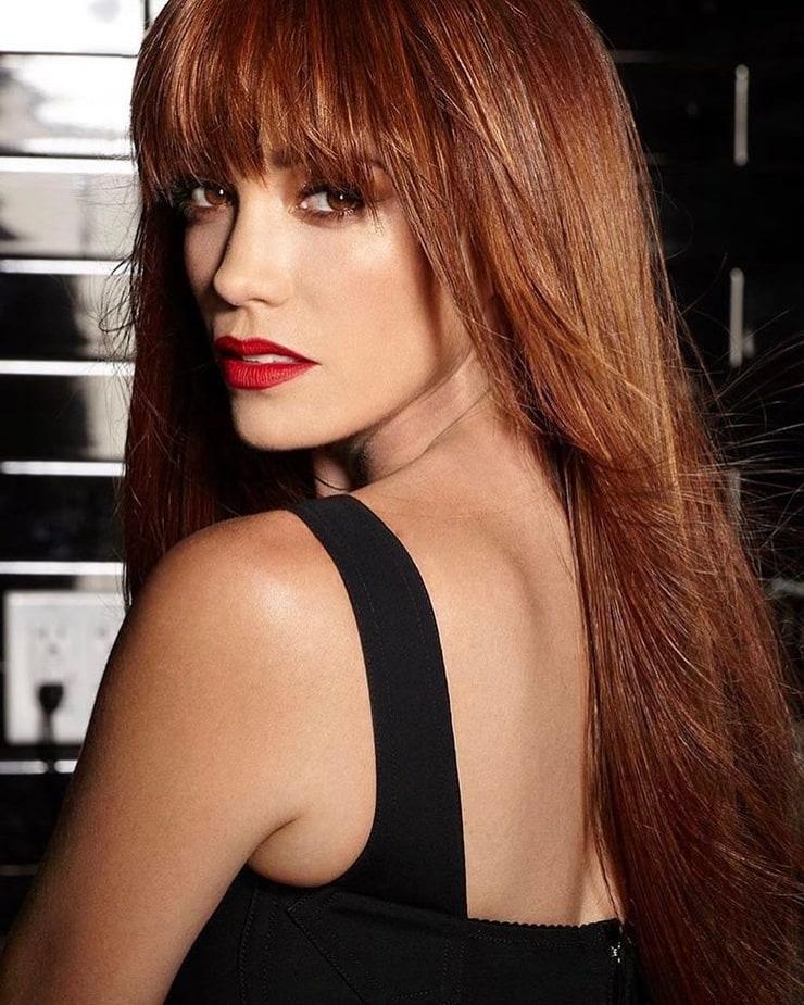 Jessica sutta redhead, ebony lesbian anal