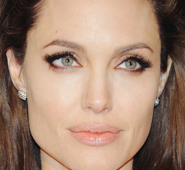 All our wallpapers of angelina jolie wallpapers from hd wallpapers blog