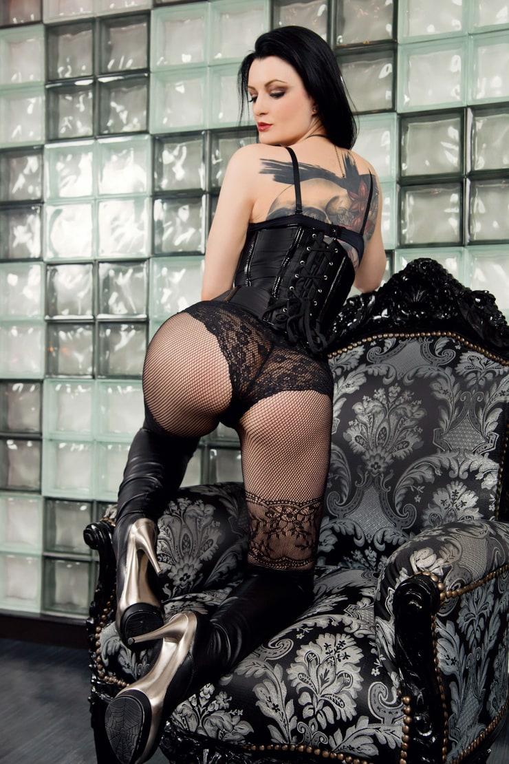 Alissa Noir Nackt