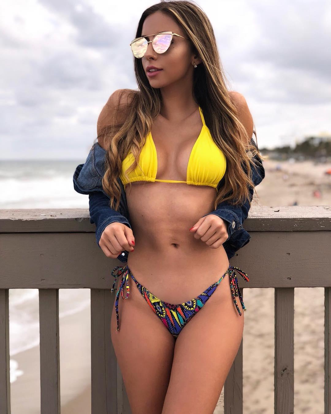 Bruna Lima Nude Photos 39