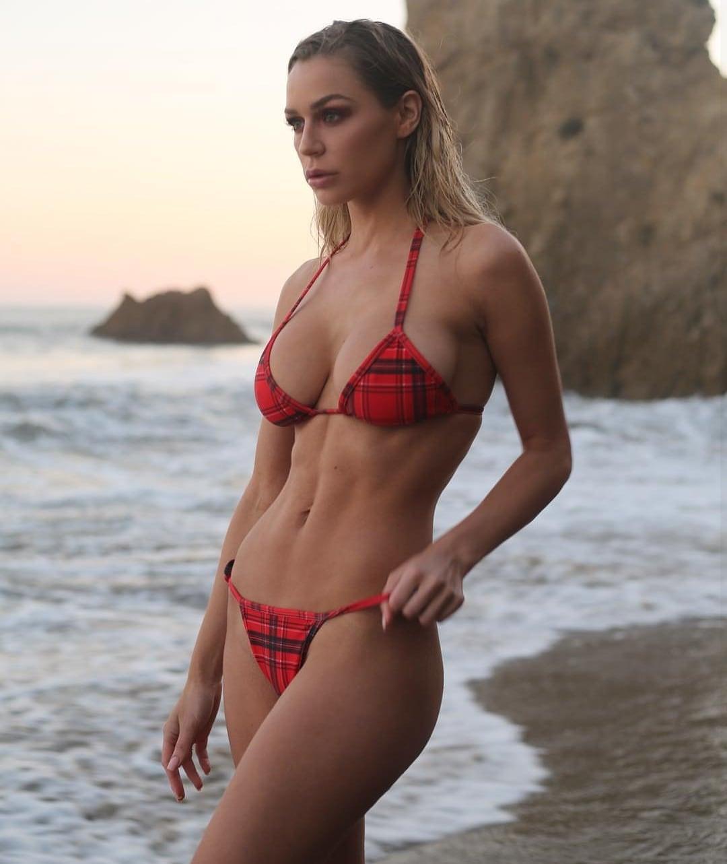 Kate Compton Nude Photos 27