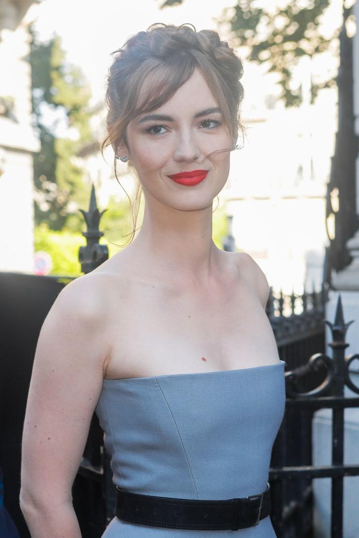Louise Bourgoin - Giorno 2 (com imagens)   Beleza