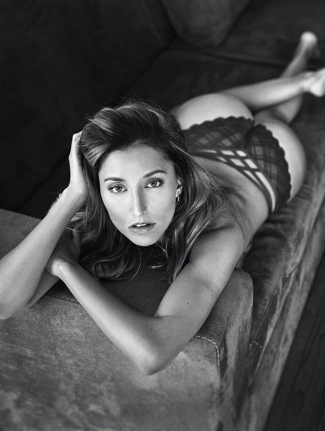 Sofia Sisniega Nude Photos 34