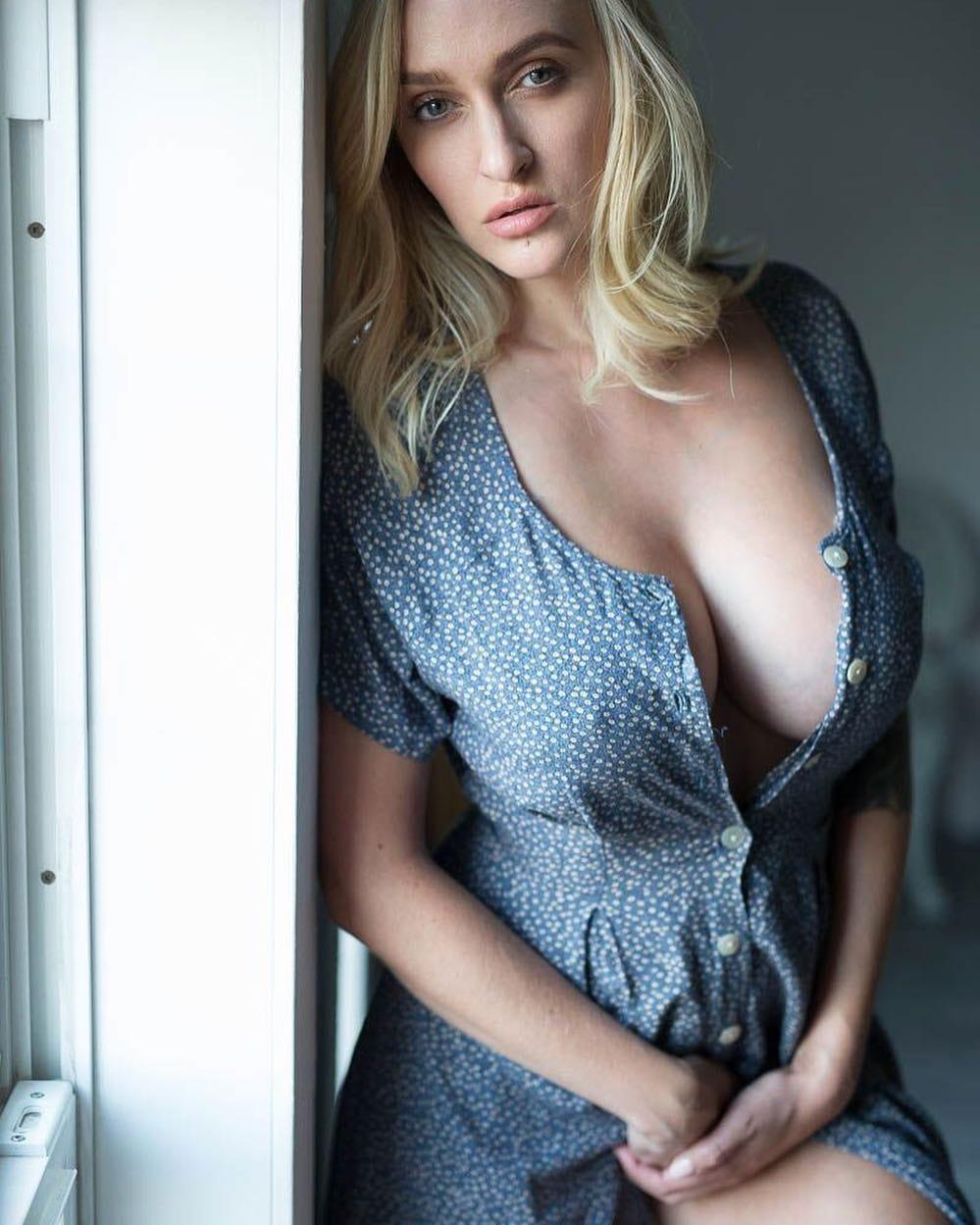 bra Images Alyssa Barbara naked photo 2017