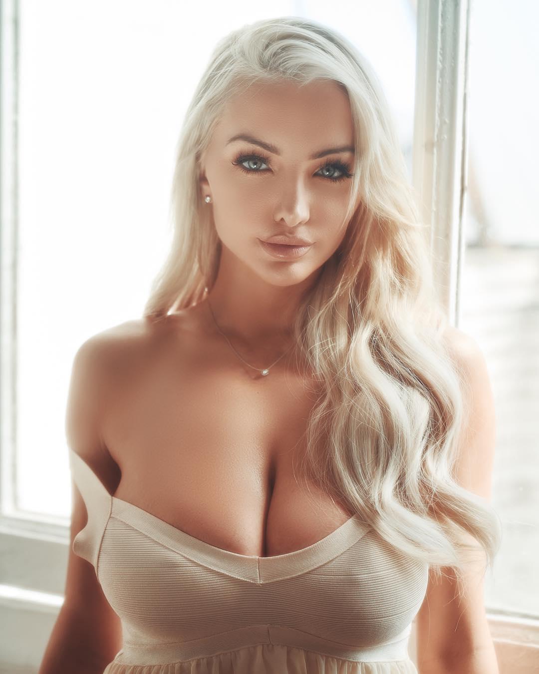 Lindsey Pelas Nude Photos 90