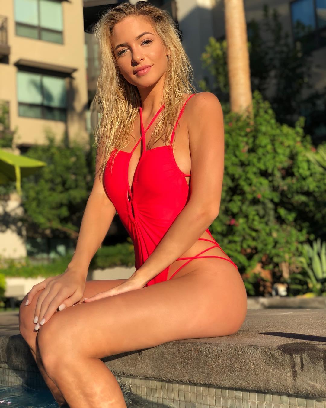 Hannah Palmer Nude Photos 15