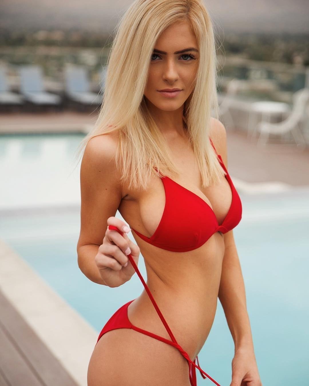 Hannah Palmer Nude Photos 23