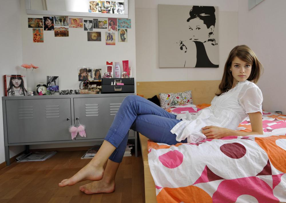 Julia Saner