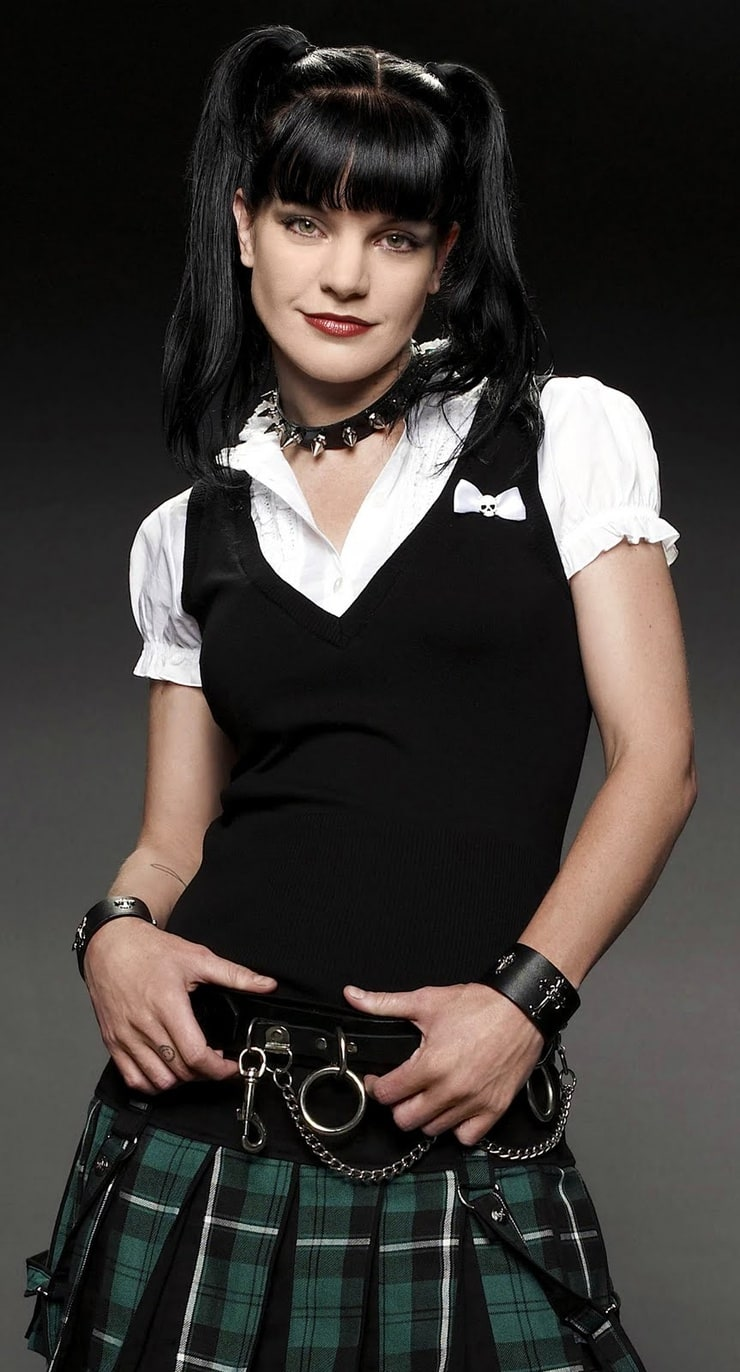 Tyler Nixon  Chloe In Couture