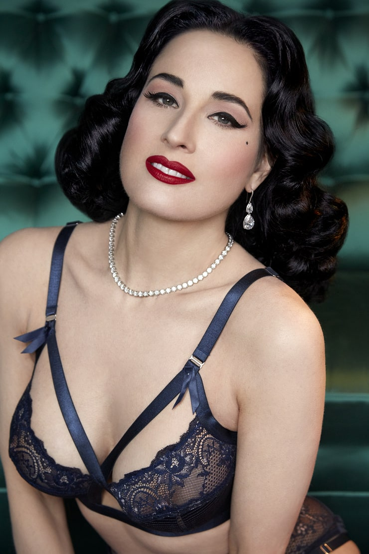 Pin by Lorna Davies on Hair and beauty | Dita von teese