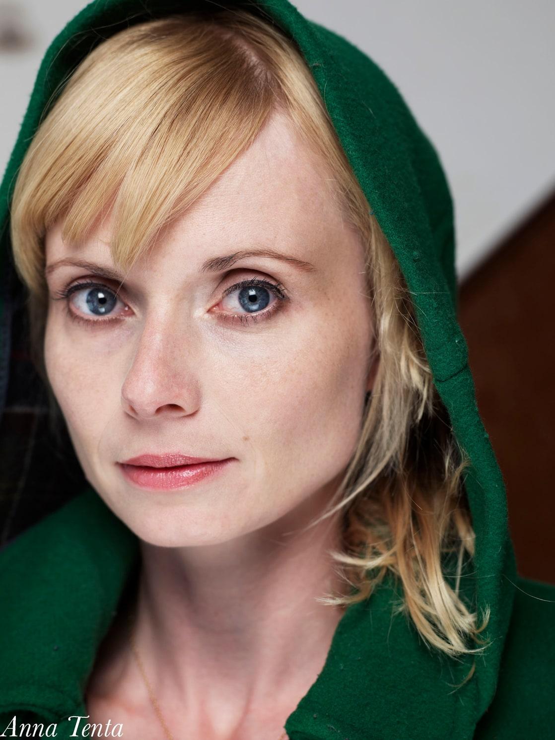 Anna Tenta nude 45