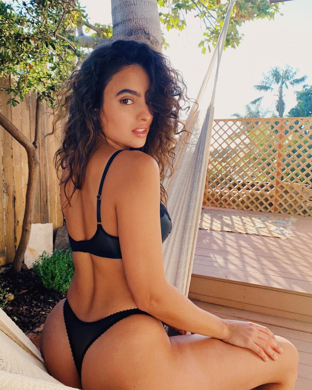 2019 Nina Daniele nudes (76 photo), Topless, Sideboobs, Boobs, bra 2017