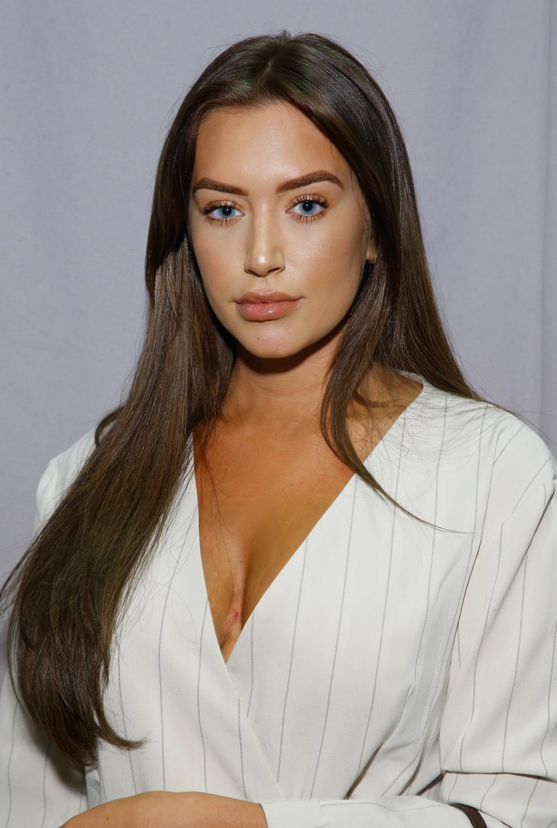 Ariana Loken Nude Photos 46