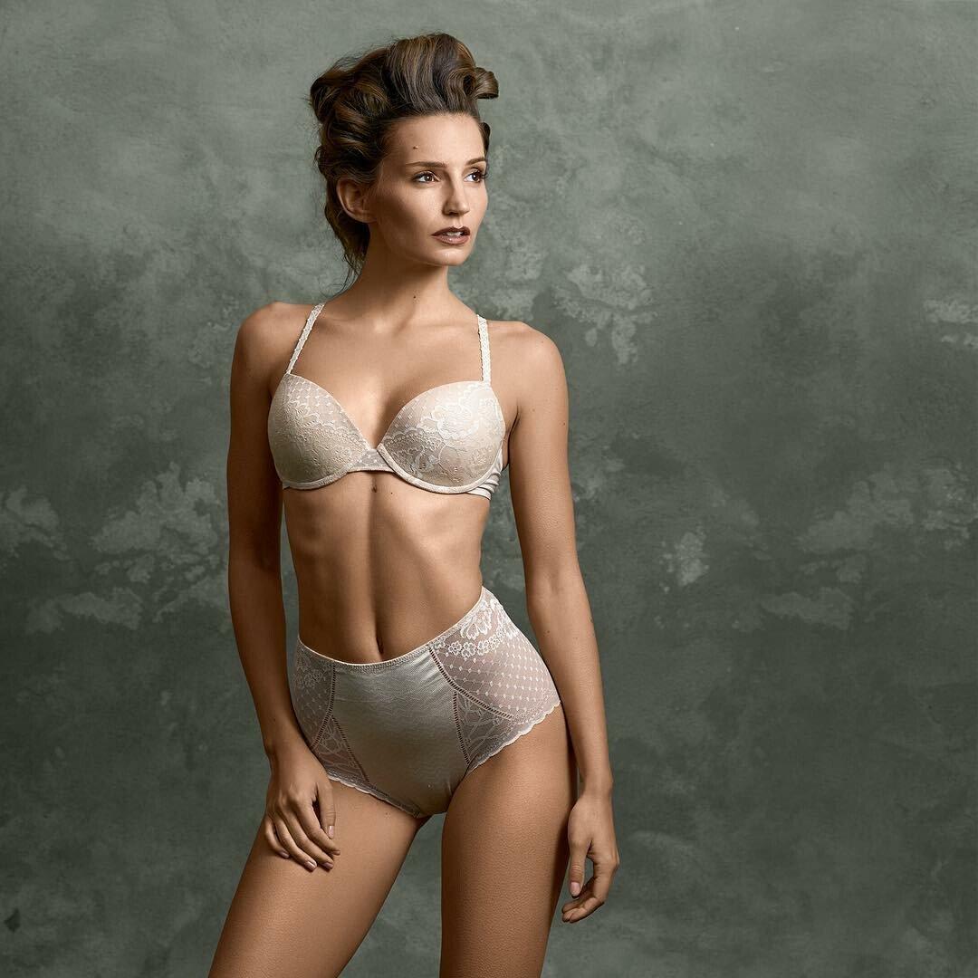 2019 Janina Schiedlofsky nudes (27 photos), Twitter
