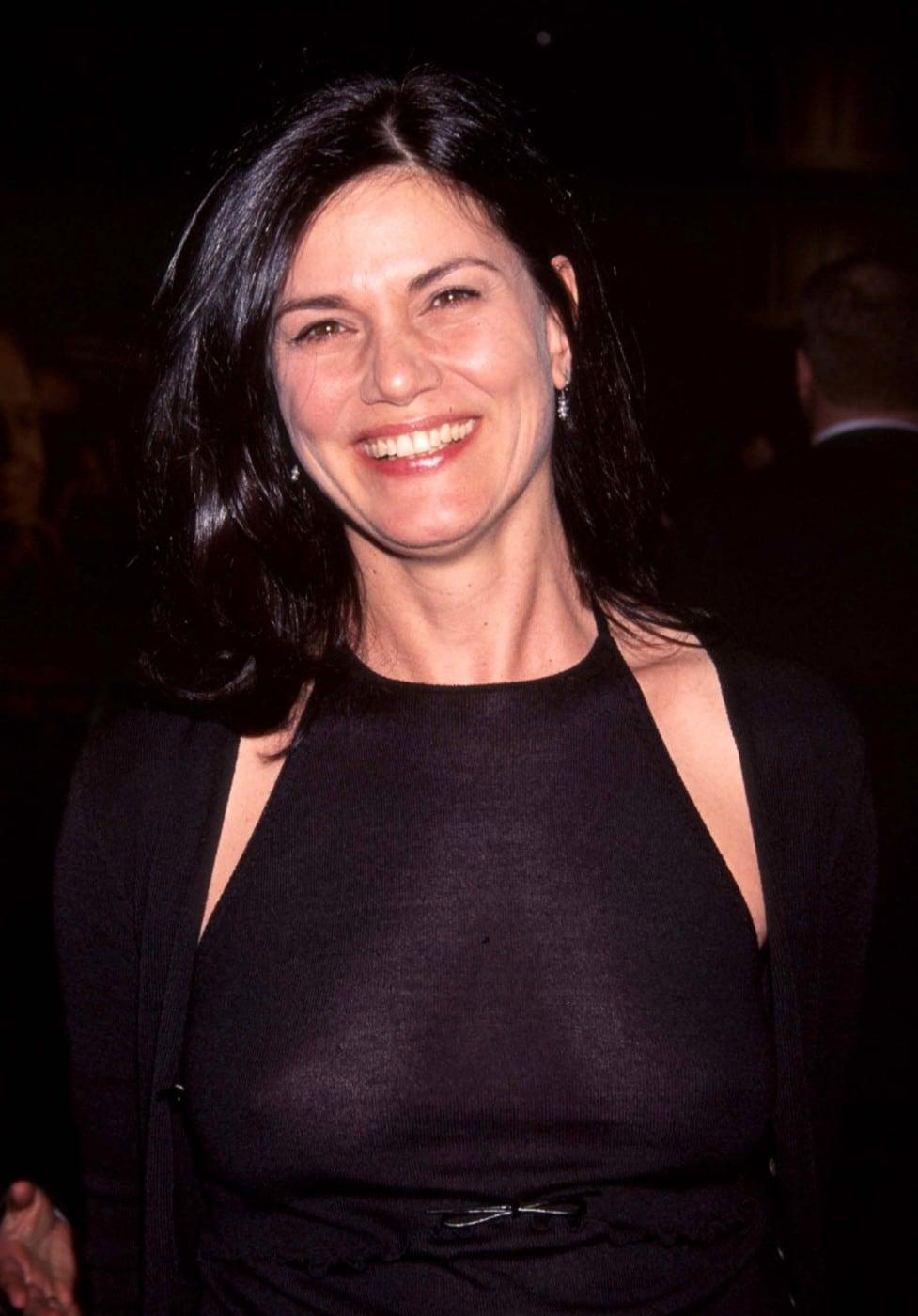 Linda Fiorentino Nude Photos 50