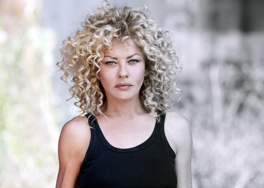 Eva Grimaldi ricorda la sua adolescenza: «Ero balbuziente