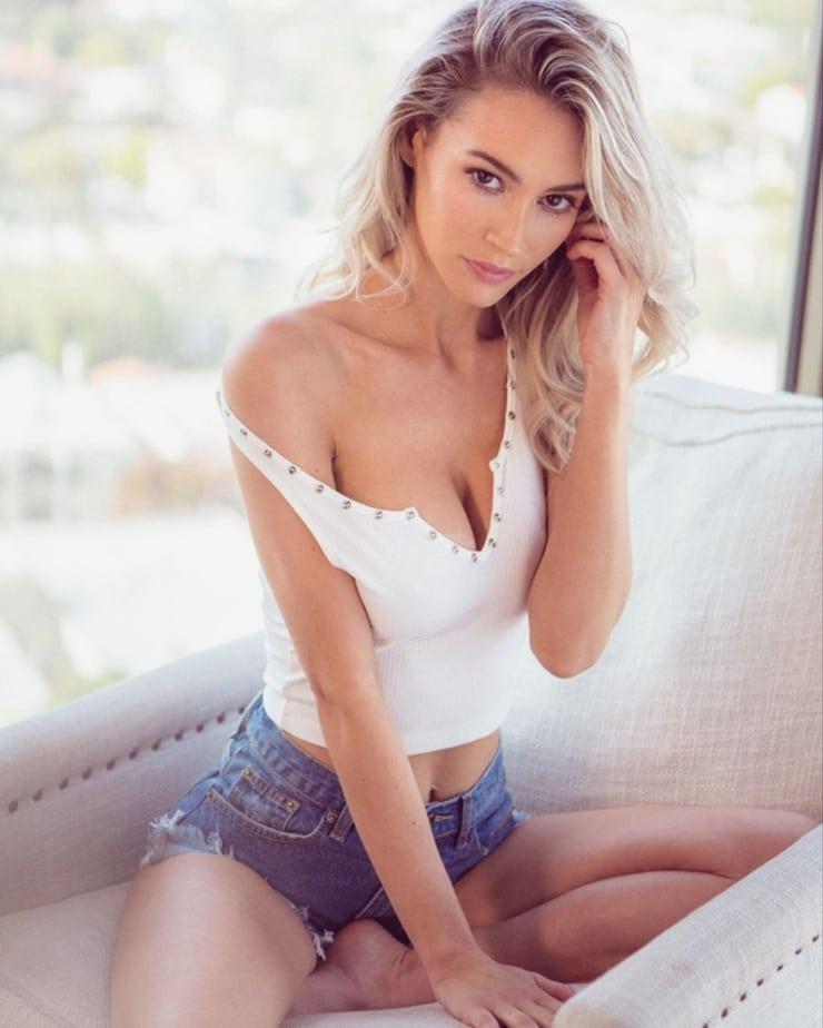 Bryana Holly Aaron Woolf Haxton Photoshoot Babepedia 1
