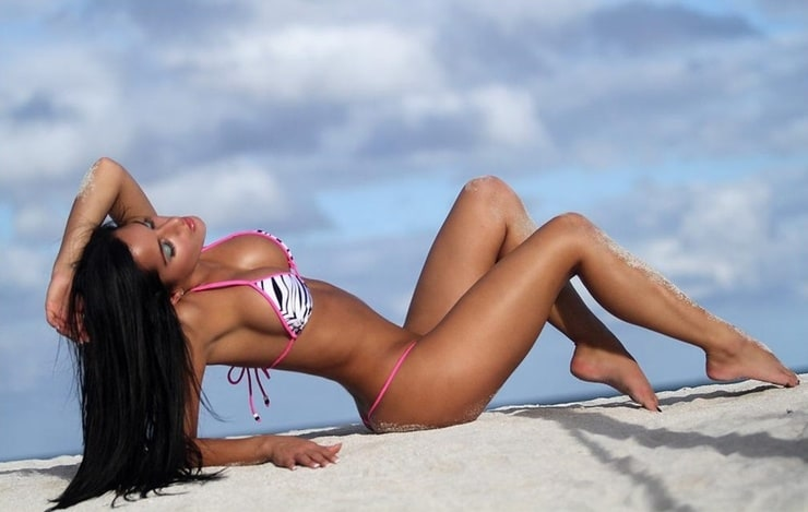 Claudia lynx bikini