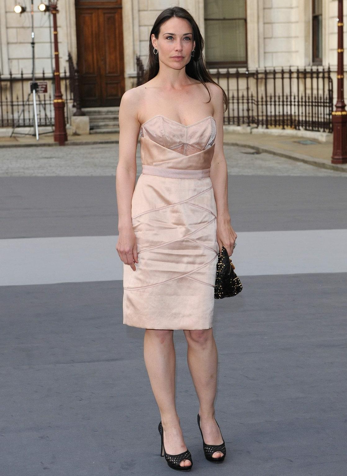 Claire Forlani wears  (Midi Dress )