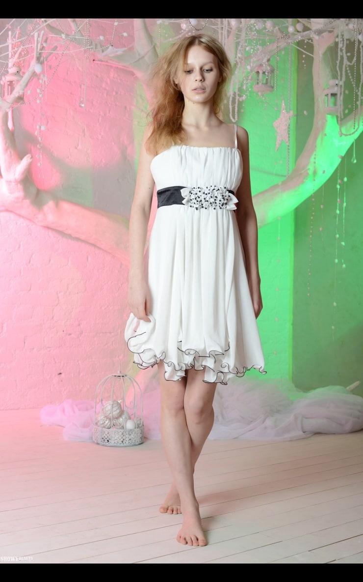 Angelika Oles -【Biography】Age, Net Worth, Single, Nationality