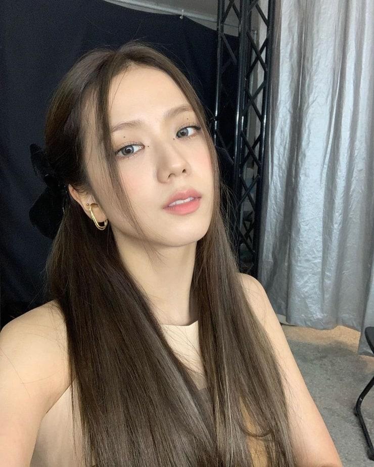 Picture of Kim Jisoo