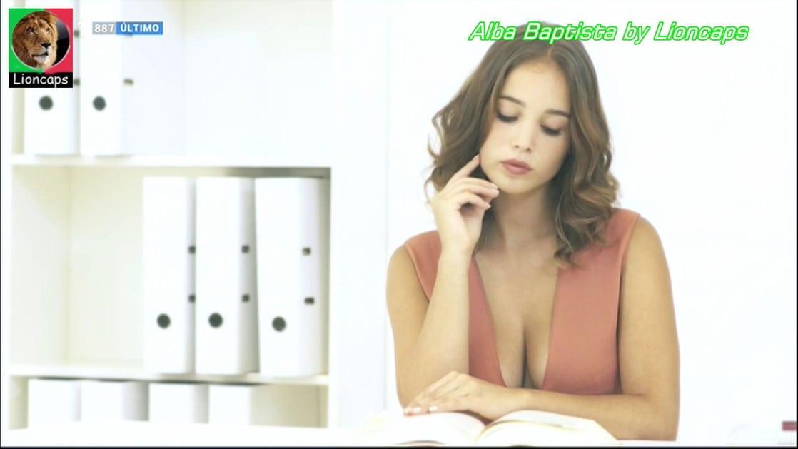 Alba Baptista sexy em País Irmão