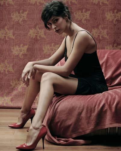 Giulia Bevilacqua nude look a Venezia - Il Gazzettino.it