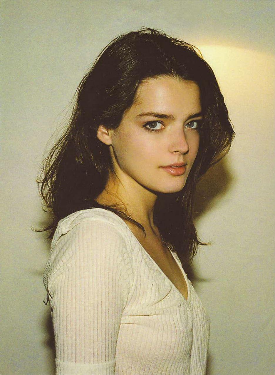 Young Roxane Mesquida nude (47 pics), Fappening