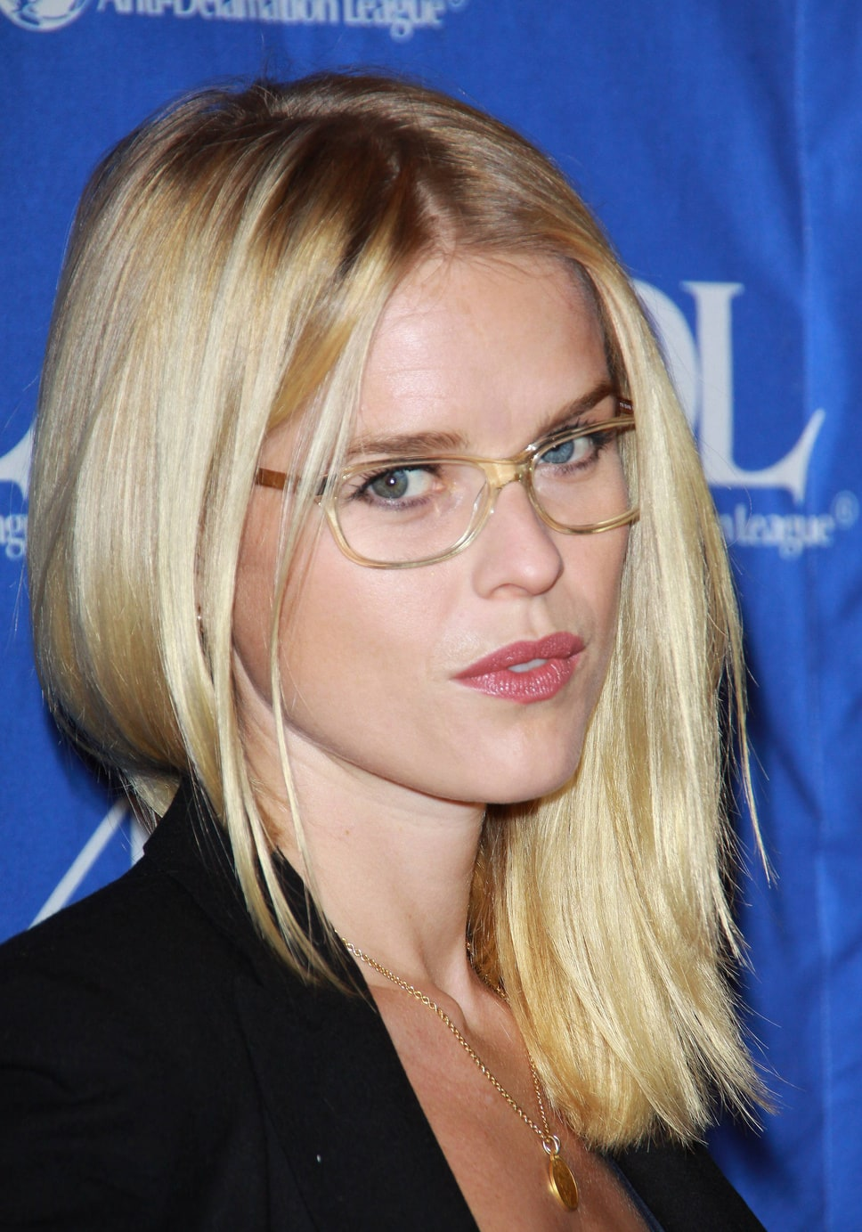 Glasses Frames For Blondes : Picture of Alice Eve