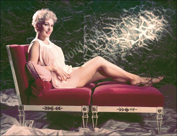 Naked kim novak in the great bank robbery ancensored