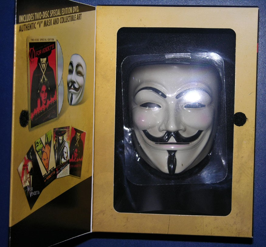 V for vendetta two-disc collector's edition dvd box set w/ mask.