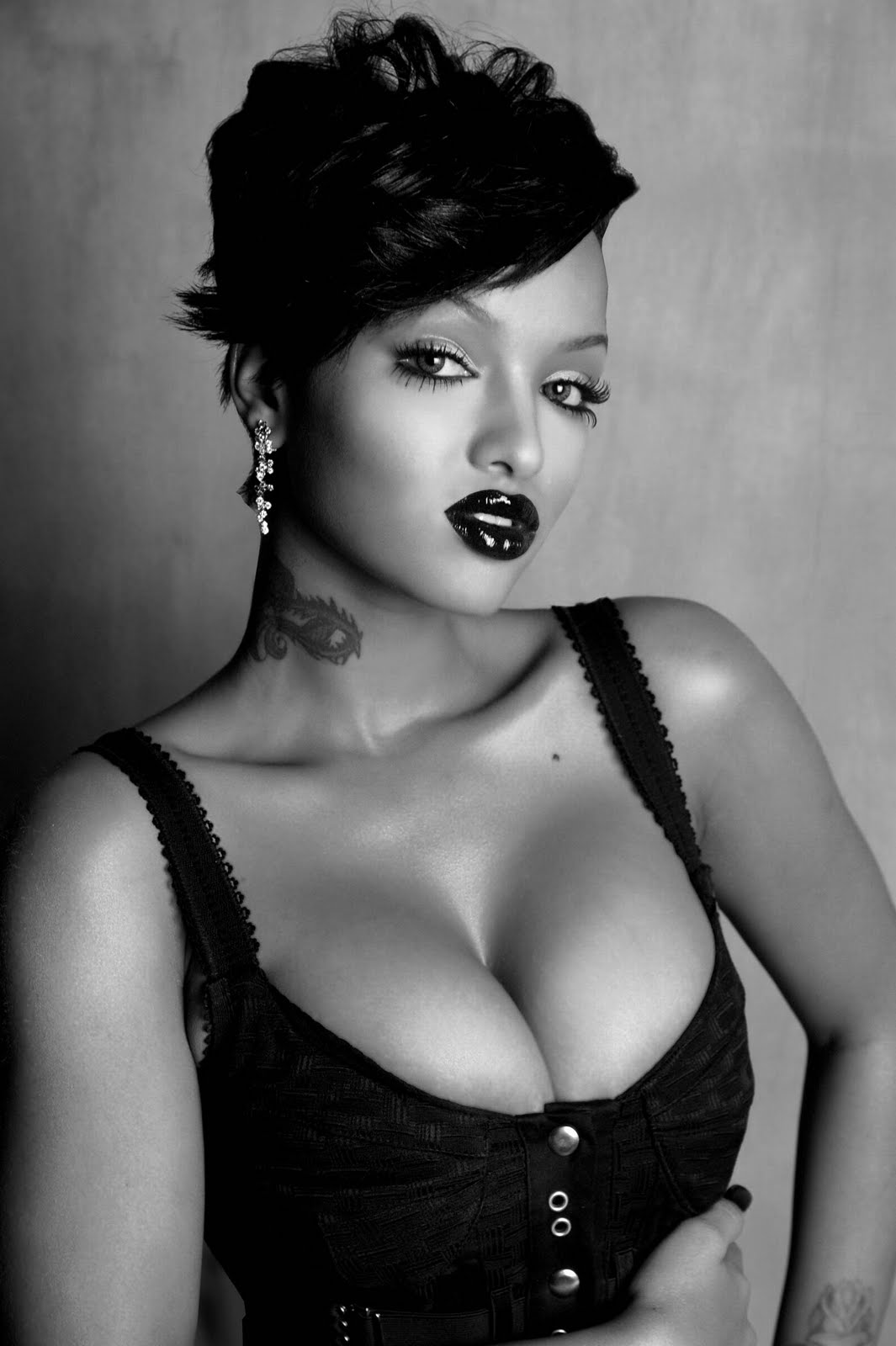 Cleavage LoLa Monroe nude (85 foto and video), Pussy, Fappening, Boobs, butt 2015