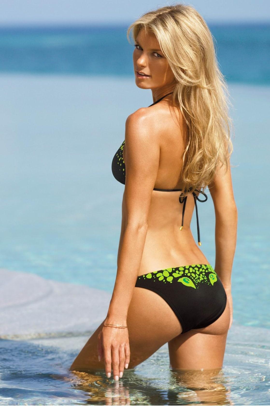 Asian girl Aunt beach bikini pool poolside suntan swimsuit love have