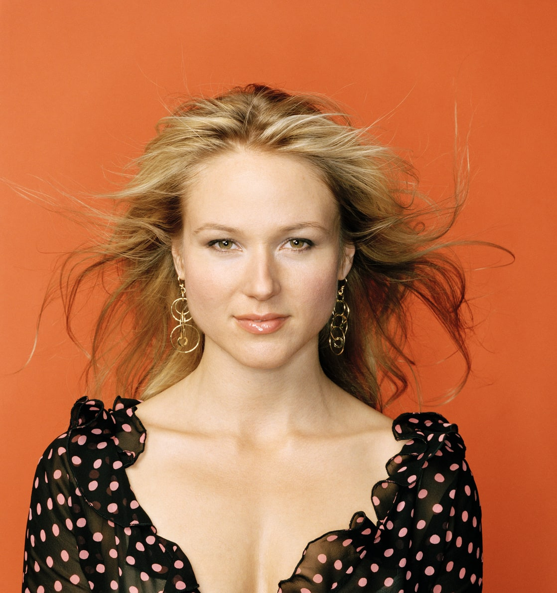 a glimpse at the life and accomplishments of jewel kilcher