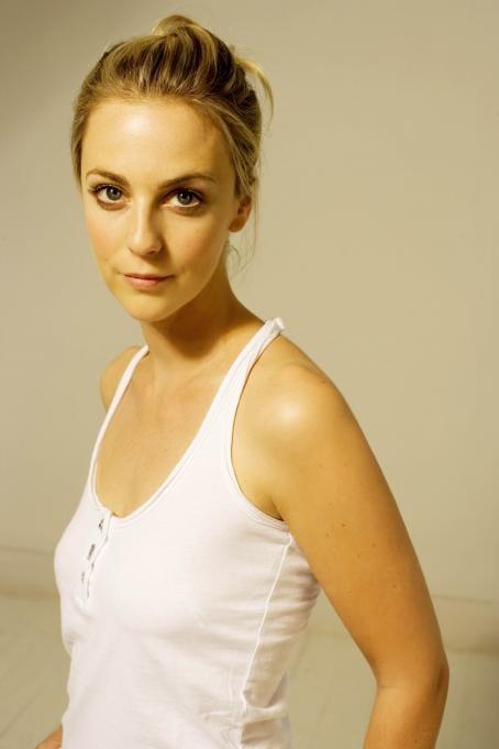 Picture Of Miranda Raison