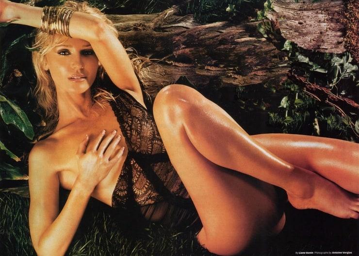 Molly Hagan Nude