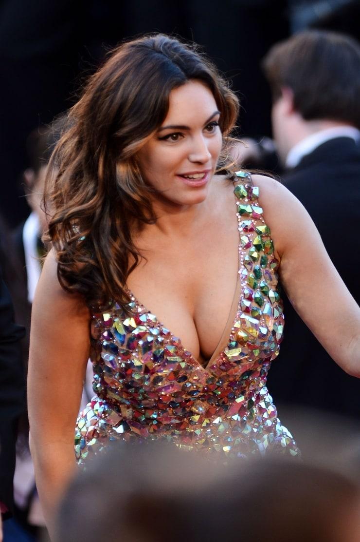 Фото актрис с выдающимися формами