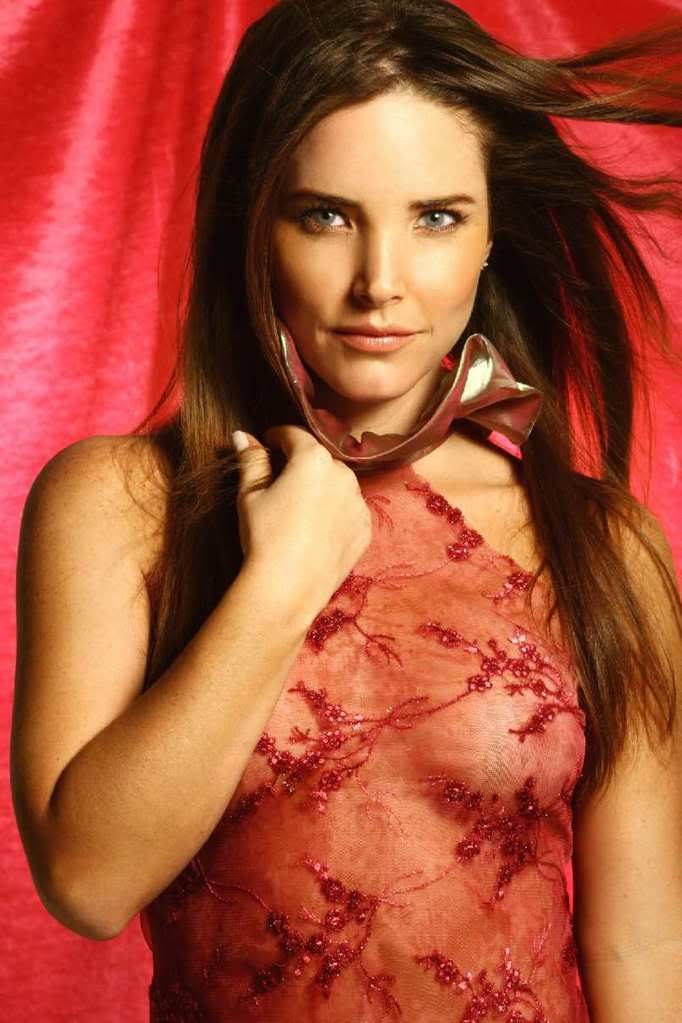 Analia Flores Elma Sonya Nude AmaBitch 1