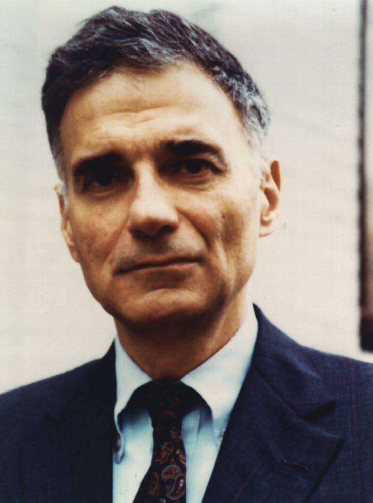 ralph naider Ralph nader (født 27 februar 1934) er en amerikansk politiker og aktivist   nader kom i 1965 i nasjonens søkelys etter at han lanserte en rapport som viste  at.