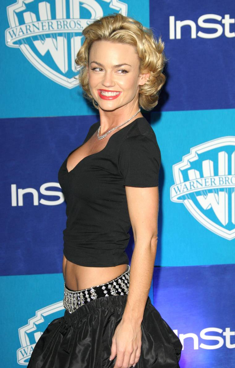 kelly carlson photokelly carlson 2016, kelly carlson wdw, kelly carlson imdb, kelly carlson photo, kelly carlson instagram, kelly carlson official instagram, kelly carlson, kelly carlson 2015, kelly carlson husband, kelly carlson twitter, kelly carlson wiki, kelly carlson married, kelly carlson net worth