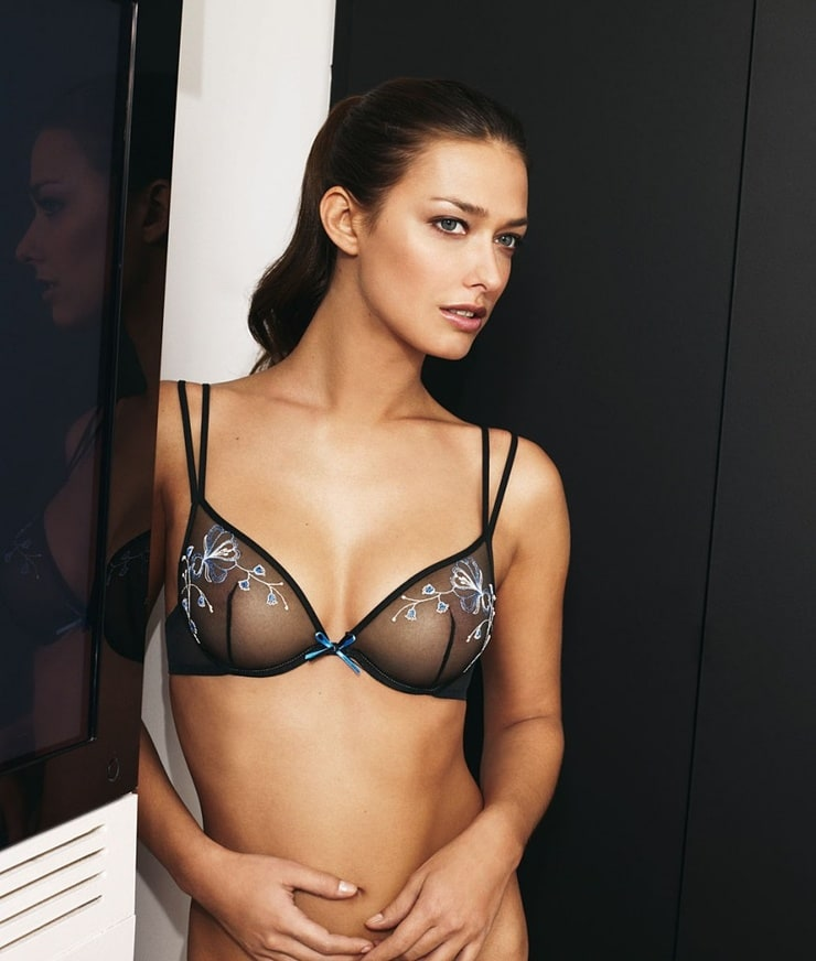 Прозрачные лифчики на женских грудяхэротика писсинг секс