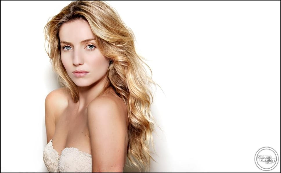 Picture of annabelle wallis