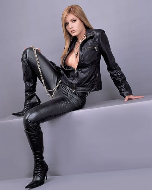 Sexy naked girls in leather jackets, free oral sex images