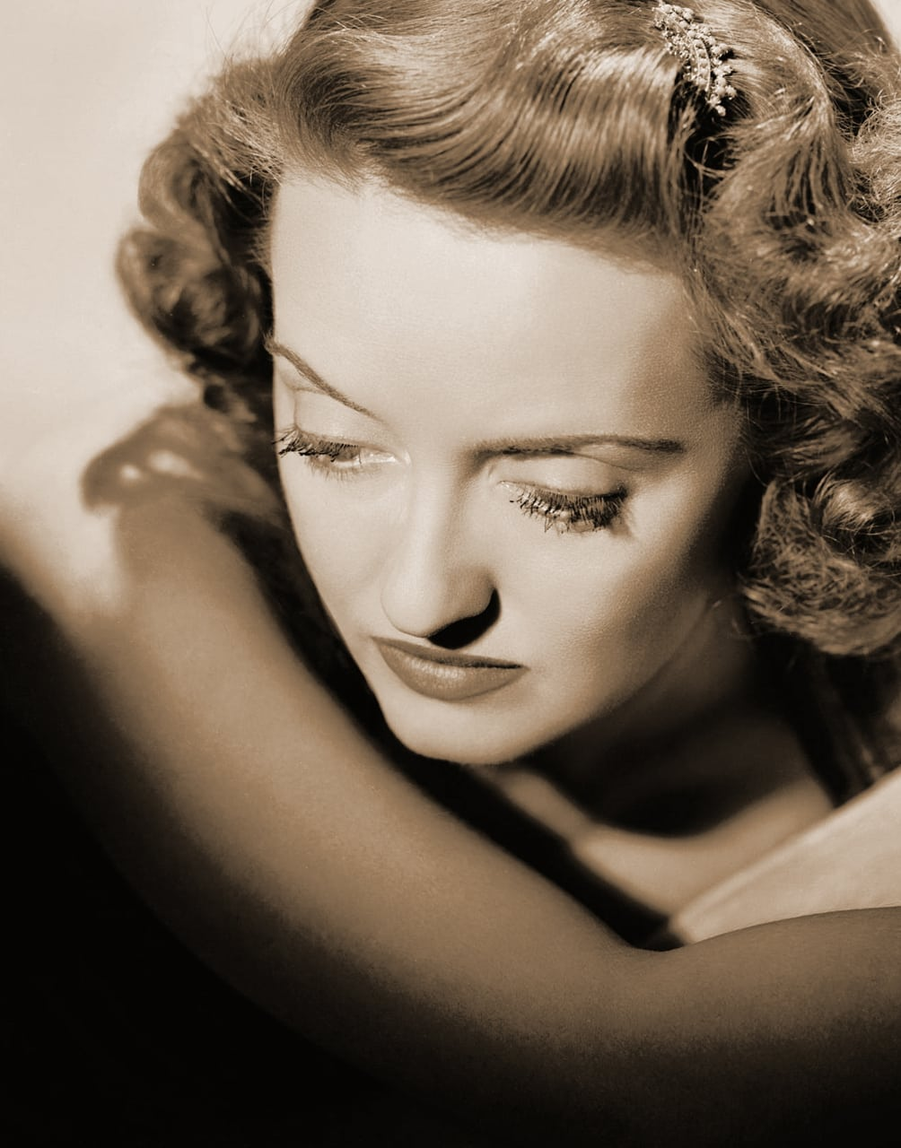 Free Gifs and Animations - Background Images Bette davis influence fashion