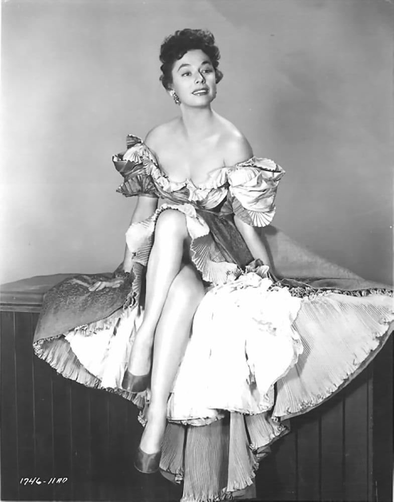 ruth roman height