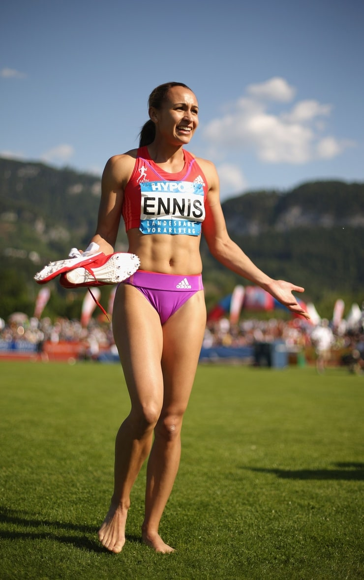 jessica ennis hill facing calls - 740×1179