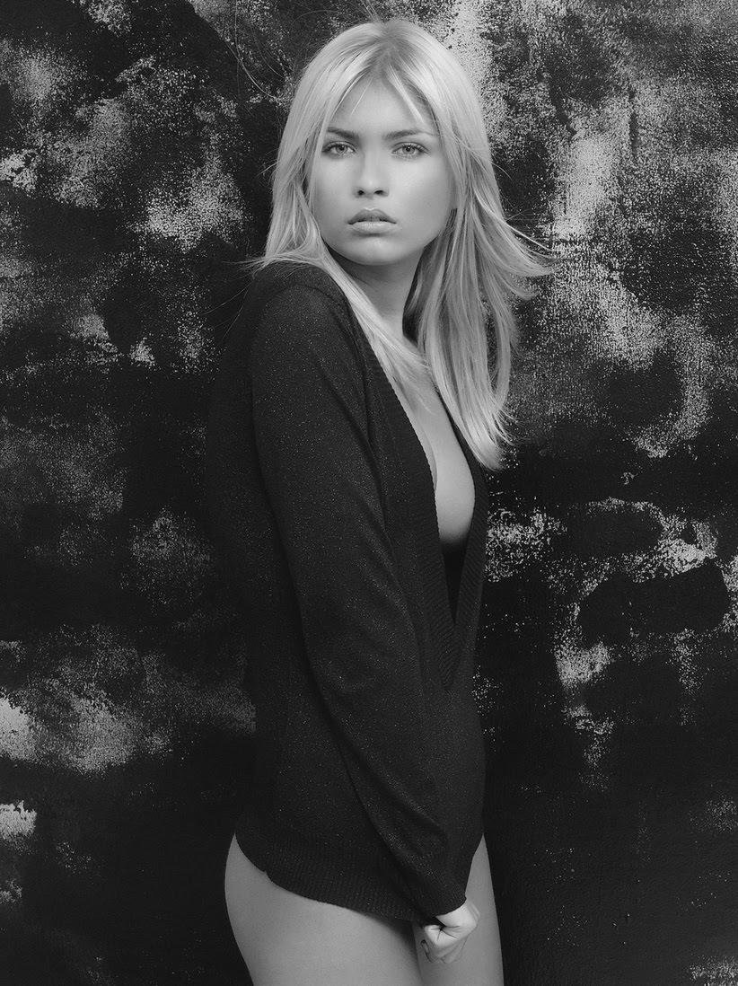 Nicoleta Macarencu Nude Photos 75