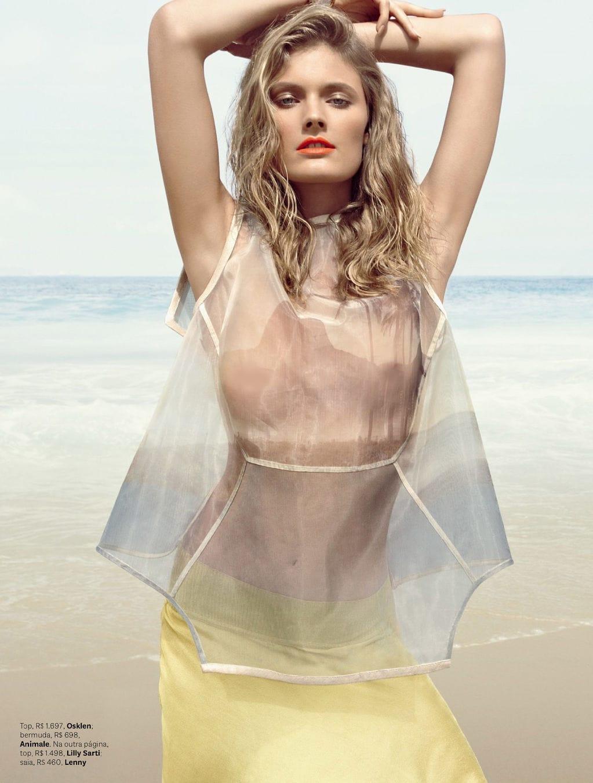 Eniko Mihalik Nipple Fashion Show