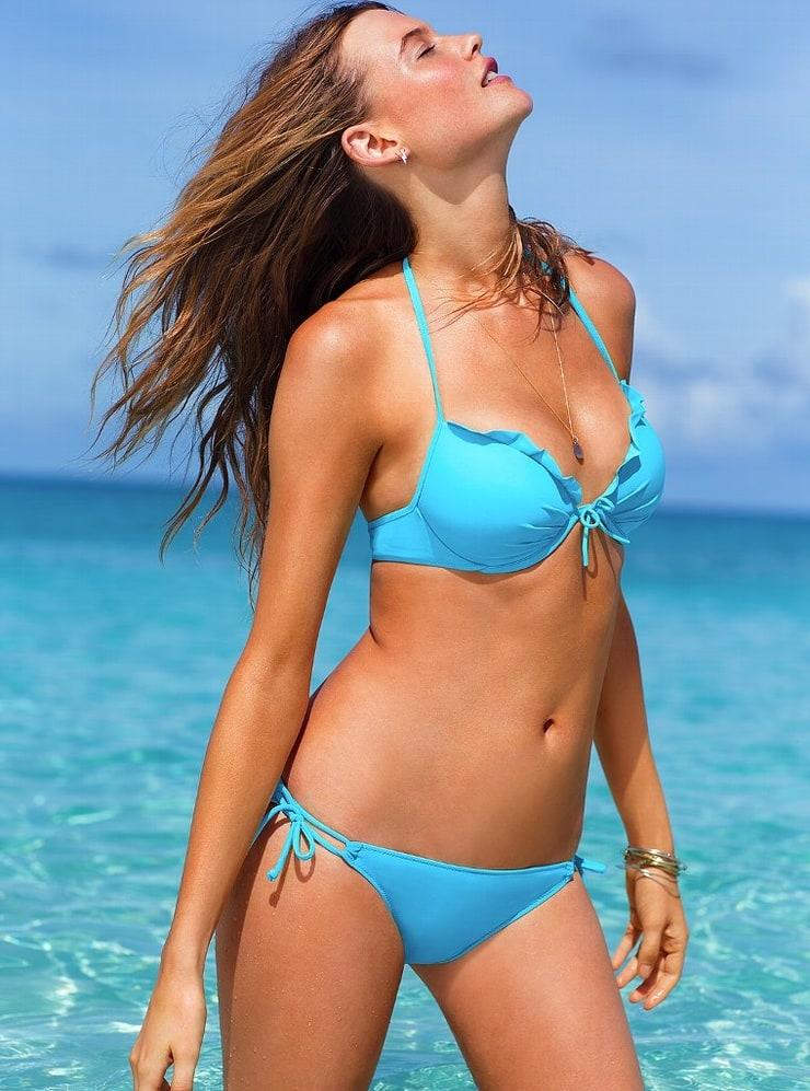 Jothika bikini