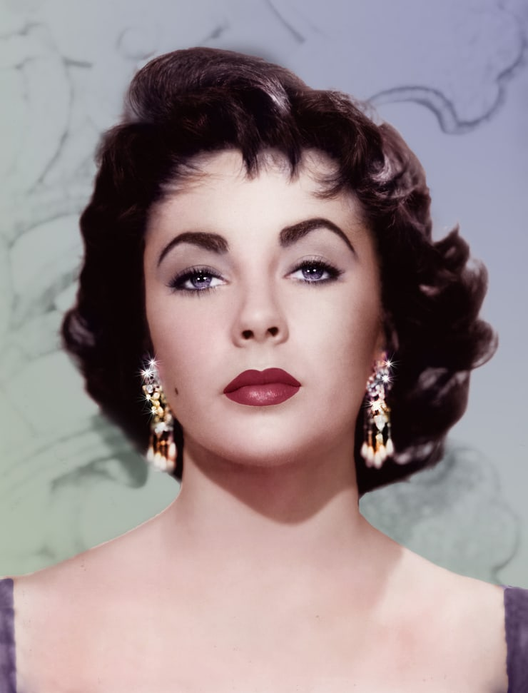 a biography of elizabeth taylor an acctress Queen elizabeth i has been a historical figures of great interest when it comes to movies - with a whole host of actresses playing the monarch over the years.